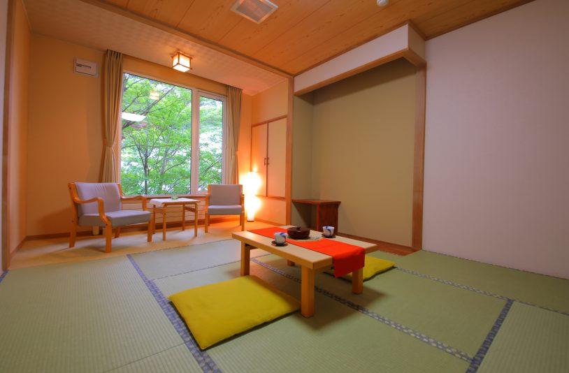 8 tatami rooms